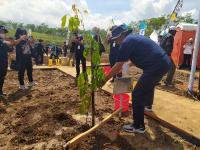 Lestarikan Alam di Momen HUT, Kementerian PUPR Tanam Pohon di Waduk Gondang Karanganyar