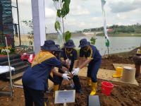 Penanaman Pohon di Kawasan Sabuk Hijau, Menteri PUPR: Indonesia untuk menuju <i>Green Economy</i>