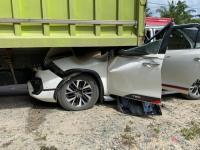 Mobil Ringsek Tergencet Truk, Wakil Ketua DPD Mahyudin dan Istri Selamat