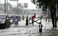 Diguyur Hujan, Sejumlah Wilayah di Kota Surabaya Kebanjiran