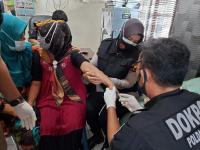 Ibu Korban SJ-182 Jalani Pemeriksaan Sampel DNA di RS Polri Palembang