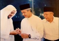 Ganjar Kenang Berburu Tiket Pesawat Syekh Ali Jaber