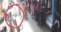 Terekam CCTV, Emak-Emak Nekat Curi 1 Boks Rokok Dimasukan ke Dalam Rok