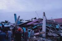Banyak Warga Mamuju Terhempit Bangunan Akibat Diguncang Gempa M6,2