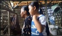 Ditinggal Kabur Ibu, Siswi SD Yatim Merawat Sang Bibi Disabilitas Netra