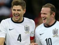 Wayne Rooney Gantung Sepatu, Steven Gerrard Beri Penghormatan