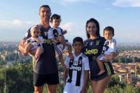 Georgina Rodriguez dan Cristiano Ronaldo Berbagi Tips Jaga Pola Tidur