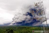 5 Kecamatan di Lumajang Diguyur Hujan Abu Vulkanik Gunung Semeru