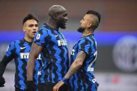 Babak Pertama Selesai, Arturo Vidal Bawa Inter Milan Unggul 1-0 atas Juventus