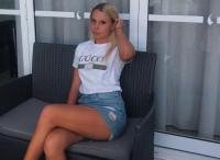 Demi Tenis, Angelina Graovac Coba Jual Diri