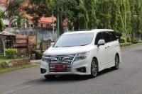 Wali Kota Probolinggo Pinjamkan Mobil Dinas Alphard untuk Warga yang Nikah secara Gratis