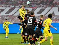 Bayer Leverkusen Tumbangkan Borussia Dortmund 2-1