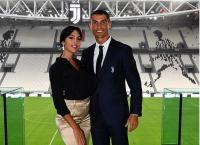 Cristiano Ronaldo Survey Tempat Nikah, Georgina Sudah Coba Gaun Pengantin
