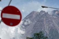 Gunung Merapi 8 Kali Luncurkan Awan Panas, Status Siaga