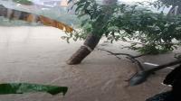 Air Terus Naik, Warga Kota Manado Ramai-Ramai Minta Bantuan