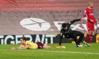 Liverpool Tumbang dari Burnley, Wijnaldum: Mereka Dapat Penalti!