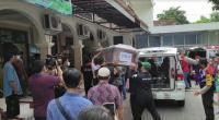 Tangis Kolonel Ahmad Pecah saat Iringi Pemakaman Istri dan anak Korban Sriwijaya Air