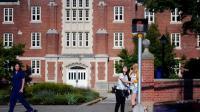 Para Mahasiswa di Amerika Cemaskan Status Keimigrasian