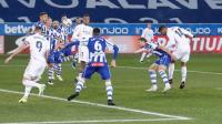 Real Madrid Tinggalkan Alaves 3-0 di Babak Pertama