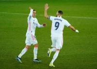 Benzema Ngamuk, Real Madrid Libas Alaves 4-1