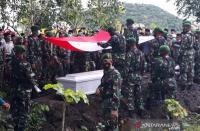 Praka Hamdani Korban KKSB Papua Dimakamkan di Lombok Tengah