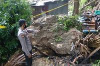 Hindari Longsor Susulan, Ratusan Warga Kota Kupang Dievakuasi