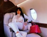 Pesona Georgina Rodriguez saat Mejeng Depan Pesawat Pribadi Cristiano Ronaldo