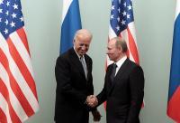 Bicara di Telepon, Putin dan Biden Sepakat Perpanjang Perjanjian Nuklir AS - Rusia