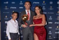 Cristiano Ronaldo Permainkan Ibu Kandung Anak Pertamanya