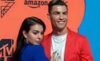 Makan Malam Romantis Bareng Cristiano Ronaldo, Georgina Rodriguez Berbunga-bunga