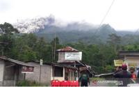 Gunung Merapi Meletus Luncurkan 22 Kali Awan Panas