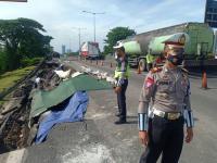 KM 6/200 Tol Surabaya-Gempol Longsor