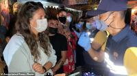 Langgar Aturan Covid-19, Polisi Gerebek Bar Tangkap 89 Turis