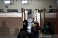 Kelompok Rentan di Kawasan Gunung Merapi Dievakuasi ke Pengungsian