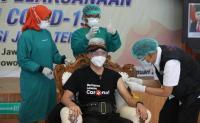Disuntik Vaksin Tahap Dua, Ganjar: Persiapannya Hanya Istirahat