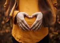 9 Asupan Kaya Vitamin A yang Baik untuk Ibu Hamil dan Janin