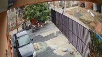 Viral Rekaman CCTV Bocah 4 Tahun Diculik saat Main di Depan Rumah