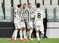Bungkam Crotone 3-0, Ramsey Girang Juventus Kembali ke Jalur Kemenangan