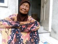 Doa Nenek Sariyo Korban Prank Koran Bekas: Semoga Allah Beri Hidayah
