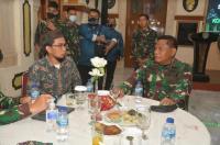 Ustadz Adi Hidayat Bagikan Obat Mujarab untuk Sembuhkan Covid-19 ke Prajurit TNI AD
