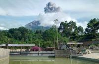 Guguran Abu Gunung Sinabung Meluncur 1.500 Meter