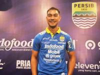 Robert Alberts Tak Mengira Omid Nazari Pergi Tinggalkan Persib Bandung