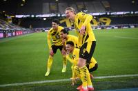 Borussia Dortmund Libas Arminia Bielefeld 3-0 di Signal Iduna Park