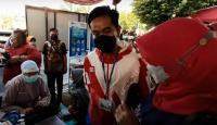 Gibran Tinjau Langsung Vaksinasi Covid-19 di Pasar Gede