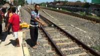 Terobos Perlintasan, Anggota DPRD Kendal Tewas Ditabrak Kereta