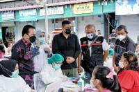 Bobby Nasution Tinjau Vaksinasi Covid-19 Sopir Angkutan di Kota Medan