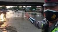 Banjir Mulai Surut, Arus Lalin di Jalan Kaligawe Semarang Kembali Normal