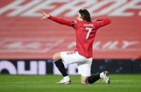 Man United Wajib Pertahankan Edinson Cavani