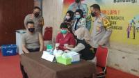 Ratusan Polisi di Kota Bandung Mulai Disuntik Vaksin Covid-19