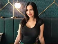Maria Vania dan Georgina Rodriguez Sama-Sama Berenang, Seksi Mana?